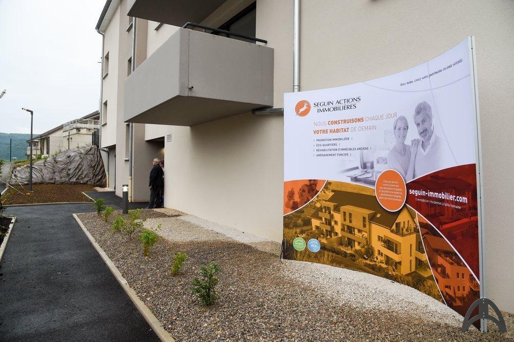 inauguration_la_romanee_a_thise_-_vue_panneau_publicitaire
